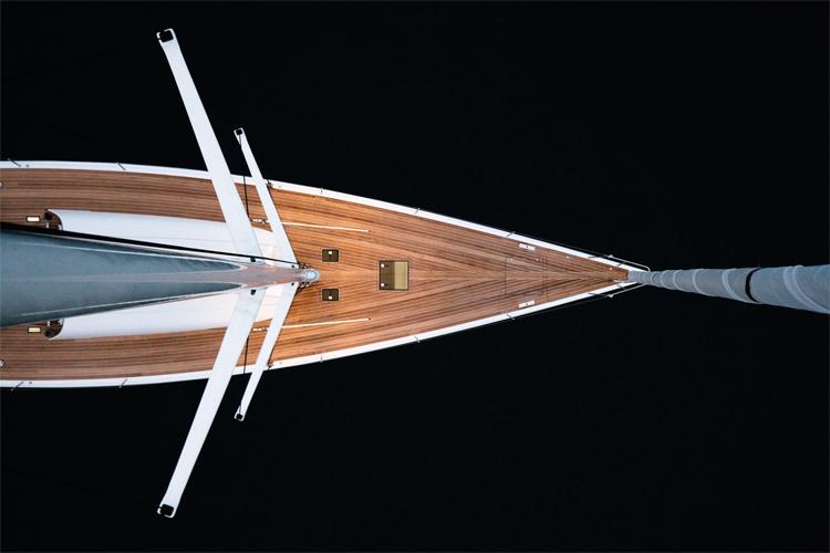 B60 sloop 12