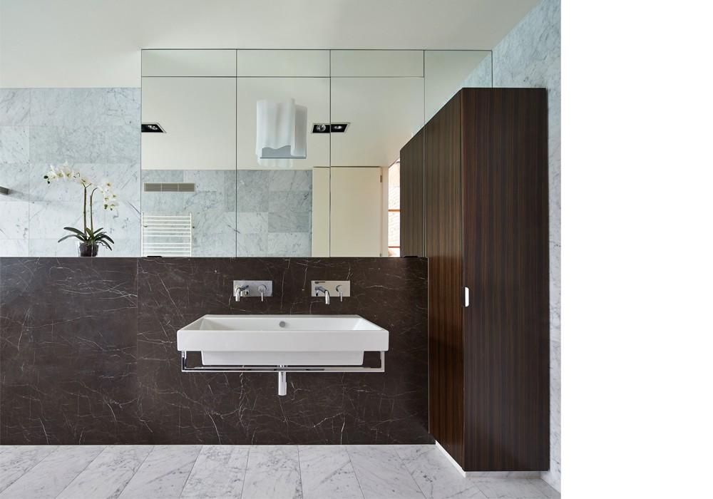 0069 07 bathroom