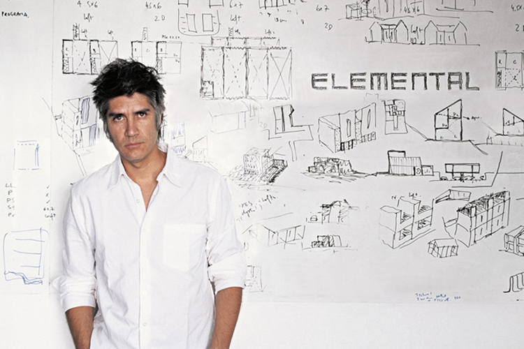 Alejandro-Aravena-by-Cristobal-Palma-journal