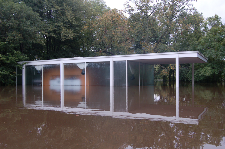 mies-farnsworth-house-2-flooded-journal