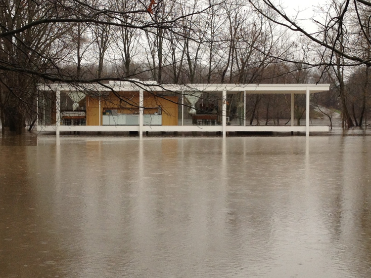 mies-farnsworth-house-3-flooded-2-journal